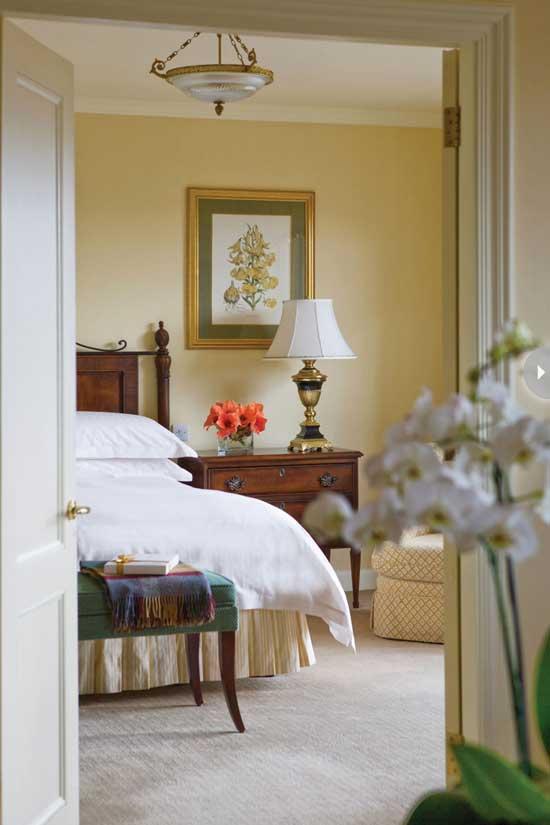 hotel-style-dublin-room