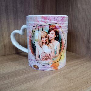 чаша със снимки